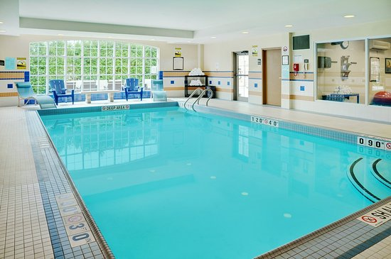 Staybridge Suites Oakville: Indoor Heated Pool
