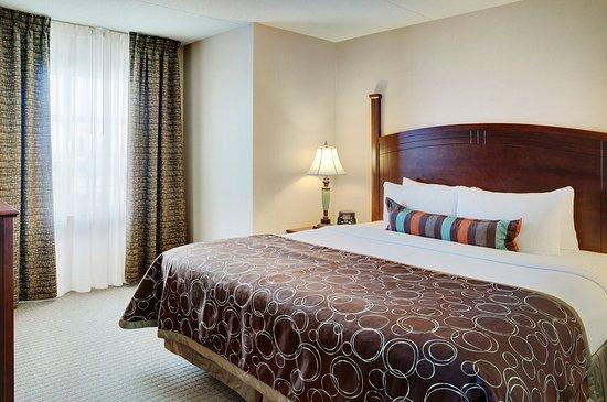 Staybridge Suites Oakville: Suite