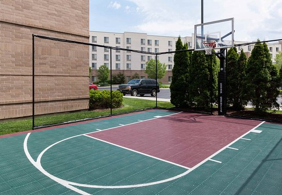 Lake Forest, IL: Sport Court