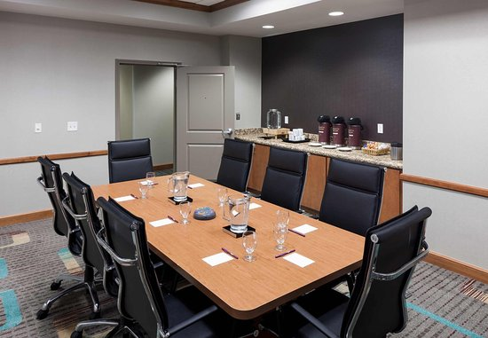 Lake Forest, IL: Boardroom