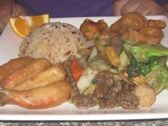 Lee's Chinese: shrimp, rice, pork and vegetable beef