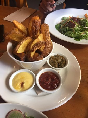 Ti Kouka Cafe: Hand-cut Fries...best in Wellington