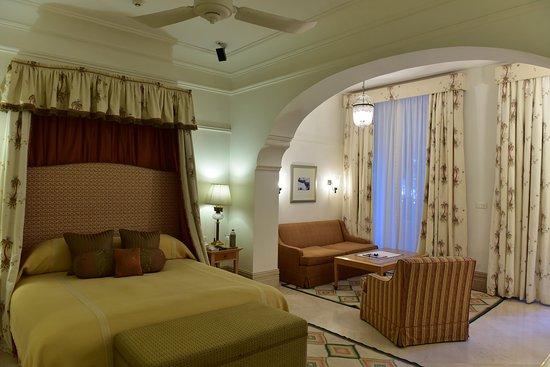Taj Falaknuma Palace: Palace Room