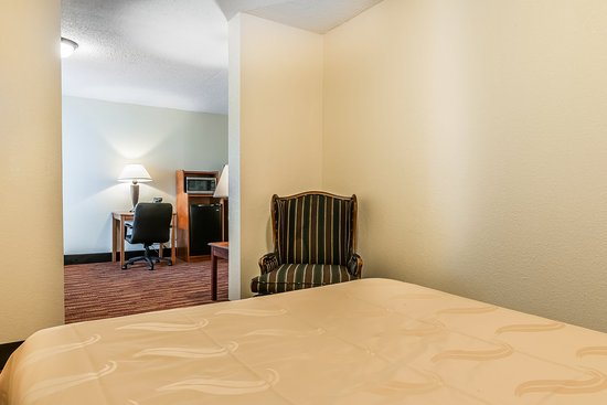 Gallipolis, OH: Suite