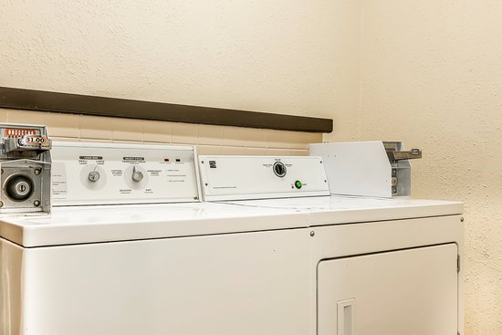 Quality Inn Gallipolis: Laundry Facilities