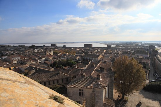 AiguesMortes La ville Close Picture of Towers and Ramparts of