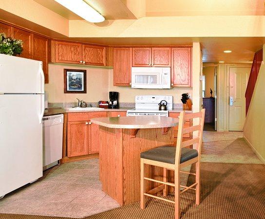 แองเจิลแคมป์, แคลิฟอร์เนีย: Suite Kitchen