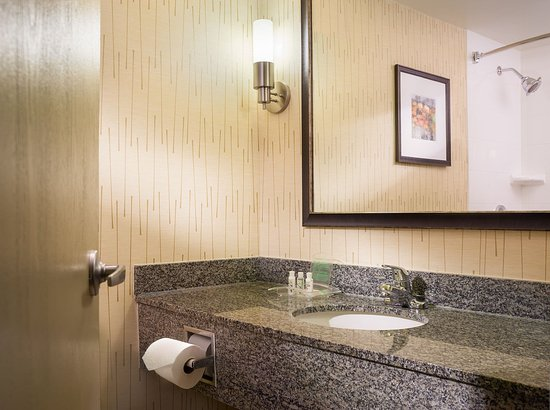 East Hartford, CT: New Bathrooms with Bed Bath & Beyond Amenities
