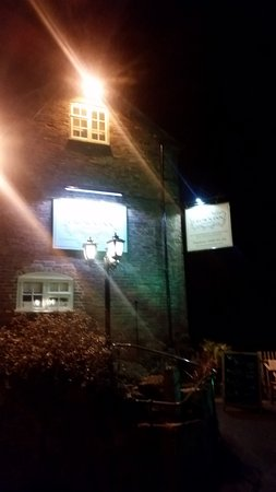 Marston Montgomery, UK: The Crown Inn signage