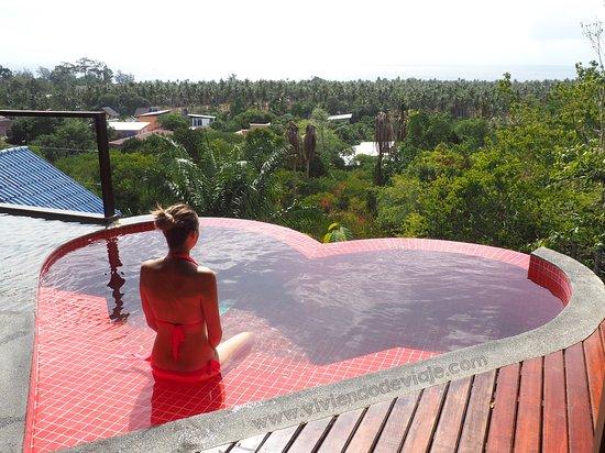 The Place Luxury Boutique Villas: Piscina con forma de corazón de la Honey Moon Villa