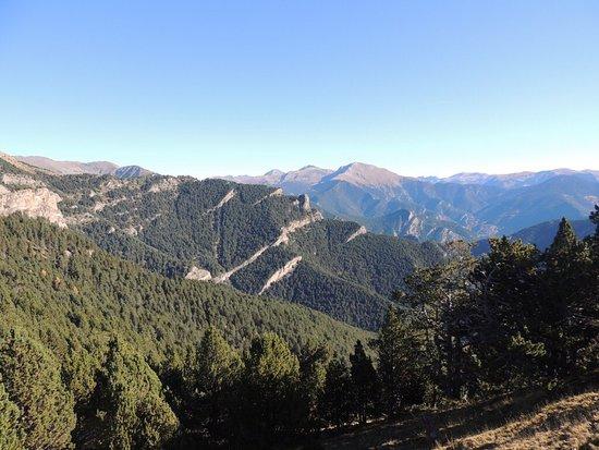 PAL, Andorre : Pistas de ski en invierno, senderismo en verano y otoño. Vistas preciosas!