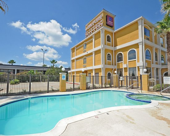 Comfort Suites Near the Woodlands: Pool