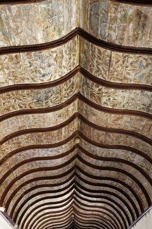 albi palais de la berbie galerie amboise plafond peint 15e d couvert 2009 sous couches de pe. Black Bedroom Furniture Sets. Home Design Ideas