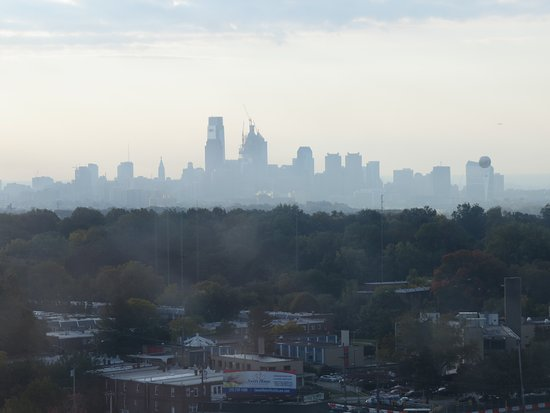 Homewood Suites by Hilton Philadelphia-City Avenue: This was a photo taken in the early morning from our room. I enjoyed seeing the panoramic view.