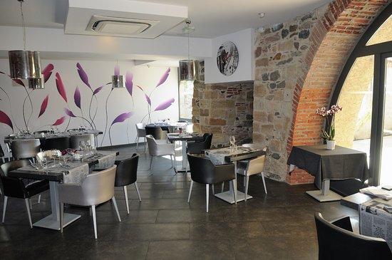 Beaulieu-sur-Dordogne, France : salle du restaurant