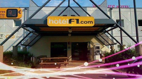 hotelf1 tours nord hotel france voir les tarifs 22 avis et 22 photos. Black Bedroom Furniture Sets. Home Design Ideas