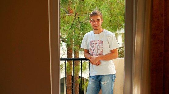 Larissa Beach Club: средний балкон, есть меньше, есть больше