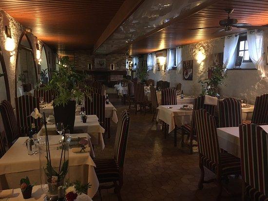 Logis Hostellerie des Ducs: Salle a manger principale