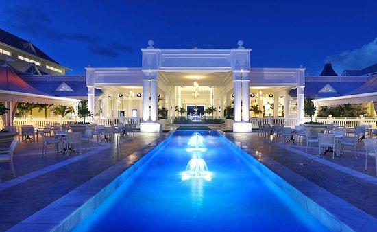 Luxury bahia principe fantasia updated 2018 prices for Hotel luxury bahia principe fantasia