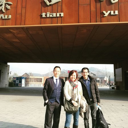English speaking driver in Beijing: Had a Great time at Mutianyu Wall! Thanks to John for bringing us there in good time. He really