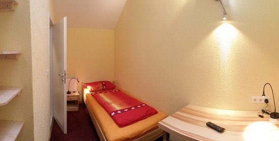 Pfungstadt, Jerman: Zimmer 14