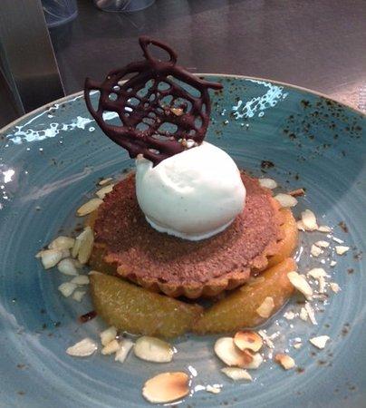 The Fish People Cafe: Chocolate & Almond Tart