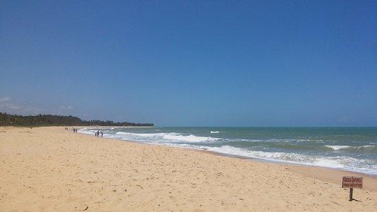 Trancoso, BA: praia com bastante ondas