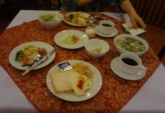 Asia Hotel Hanoi: 朝食