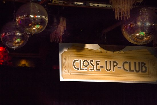close-up-club