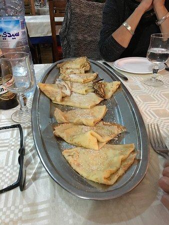 L'Araignee Gourmande: Un plat de crêpes pour 4 ( il en est revenu un autre à la fin)