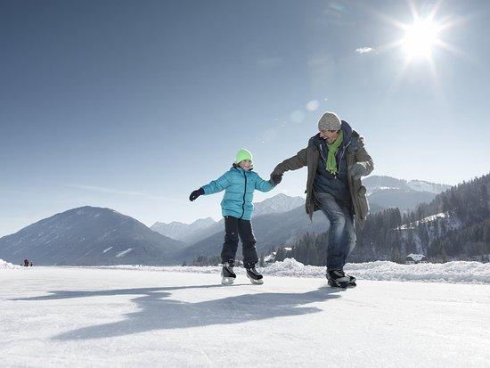 Oostenrijk: Schaatsen op de Weissensee; Österreich Werbung, Peter Burgstaller