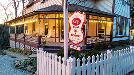 Photo of 5 Ojo Inn Bed and Breakfast Eureka Springs