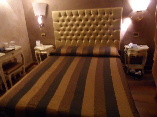 Hotel Contilia: Cama mais parece uma cama elástica!