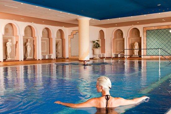 Concorde Hotel Marco Polo: piscine couverte