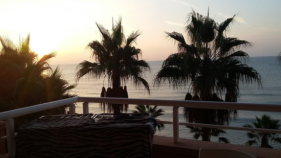 Sunway Playa Golf Hotel & Spa Sitges: 20161103_074656_large.jpg