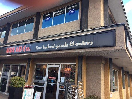 The bread company kelowna central city ristorante for Affitti di cabina okanagan bc