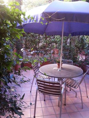 Hotel Franklin Feel The Sound: Giardino privato