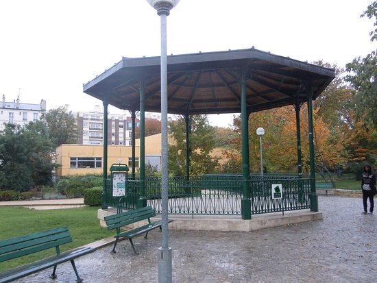 Le kiosque musique picture of jardin villemin paris for Jardin villemin