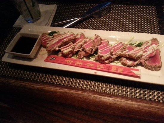 Richmond, IL: Seared ahi tuna with seaweed salad dinner special