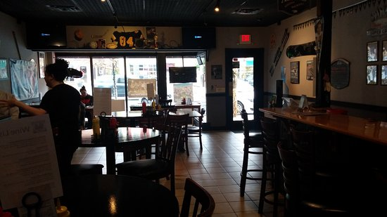 Saint Albans, VT: 84 Main Sports Grill