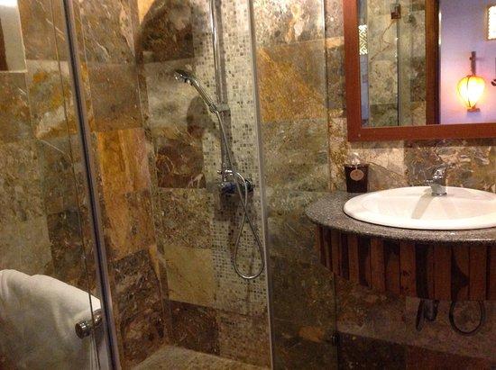 Tr¨s belle salle de bain Picture of Hoi An Lemongrass Homestay