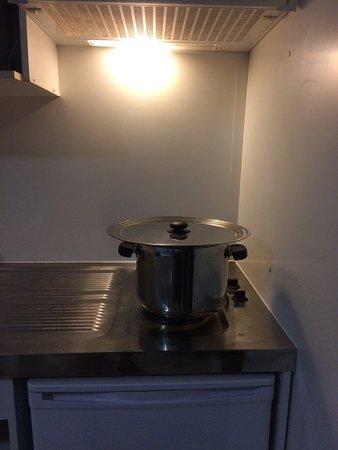 Logement humide Matériel de cuisine non adapté  la cuisine