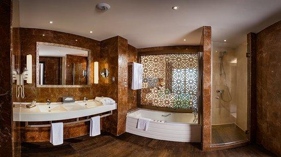Hotel Park And Suites Prestige Paris