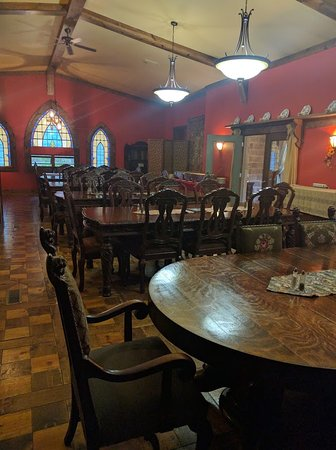 New Plymouth, OH: Dining Area