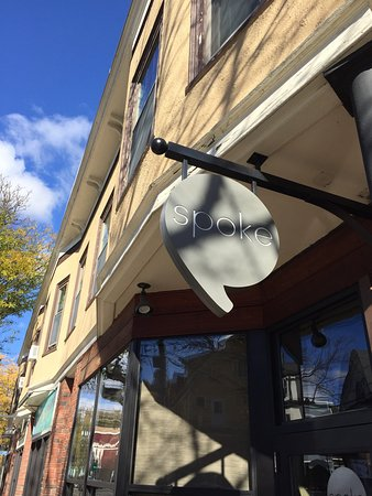 Somerville, MA: Spoke Wine Bar