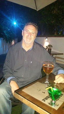 Hotel de Provence: Un petit verre ou le petit déjeuner en terrasse