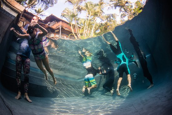 Freedive Hawaii Students Practicing Static Apnea Breath Holds