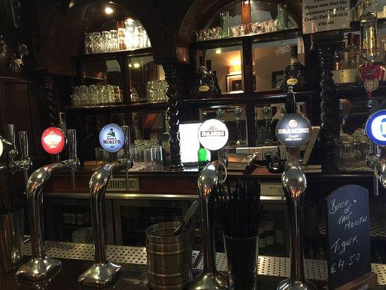 Clancy's Bar & Restaurant : photo2.jpg