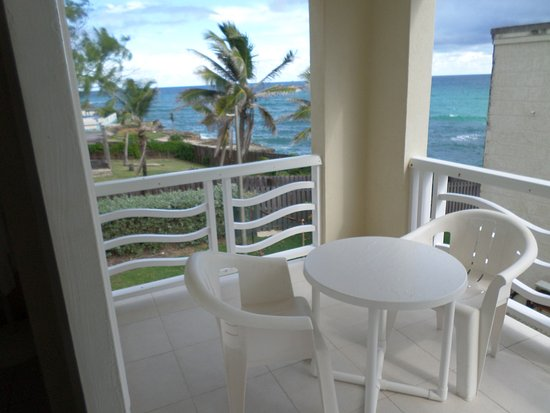 Ocean Bliss Apartments: balcony