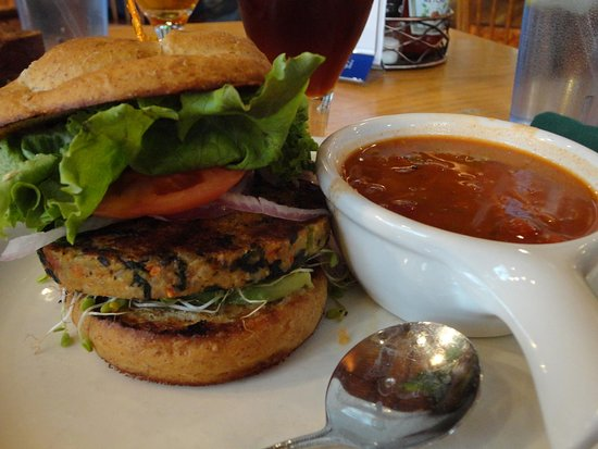 Bullfrog Brewery : Veggie Burger and Veggie Chili!